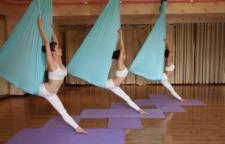 可以热身的14个瑜伽体式,瑜伽体式,每个序列都是为不同的目标而编排。每个