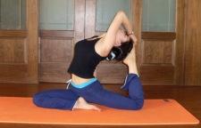 让身体变柔软的瑜伽体式分享,瑜伽后,总觉得自己的身体仍然僵硬,而且感觉
