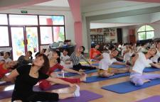 瑜伽跪姿对人体有很大的益处,瑜伽跪,身体会发生神奇的变化!01增强气血,