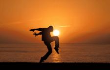 深圳爵士舞学习培训班龙岗爵士舞学习班,爵士舞零基础班学校简介:BadG