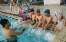 上海游泳培训班,浮,水中滑行,水中换气初级阶段:基本掌握一种泳姿能够游