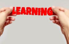 国际商务礼仪训练培训班,1.职业化形象设计•检查一下自己的体姿礼仪•商务