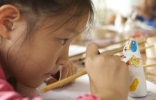 """为贫困地区儿童提供免费学前教育,""""一村一园计划""""惠及17万儿童"""
