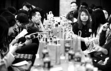 名校变单身重灾区!北京千余大学生扎堆单身派对速配,大学生交友平台为单身