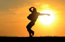 南山区拉丁舞培训那个好,拉丁舞培训班学校简介:联展拉丁舞是中国·深圳联