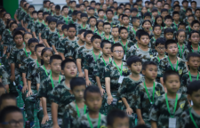 上海亮剑军事夏令营15日营,军事夏令营15日营课程表一、特训目的让孩子投身