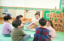 教育部:对不具备办园条件的幼儿园实行关门惩罚,幼儿园入园率达到80%,也