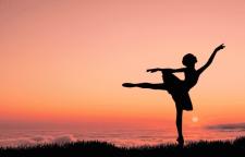 苏州酒吧领舞技巧学习,肚皮舞、绸缎舞、吊环舞等专业培训,是钢管舞协会及