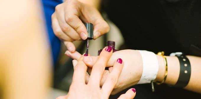 广州美容化妆培训学校,韩式半永纹绣、中医养生、形象设计、美甲培训,yisicamrxx