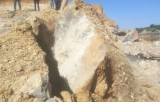 开挖坚硬岩石挖机炮头产量低用用什么破拆矿山施工设备