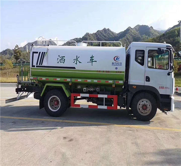 东风国六15吨工地洒水除尘车车型配置