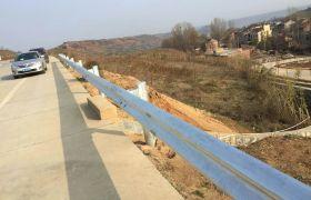 河池波形护栏 护栏定制 价格公道