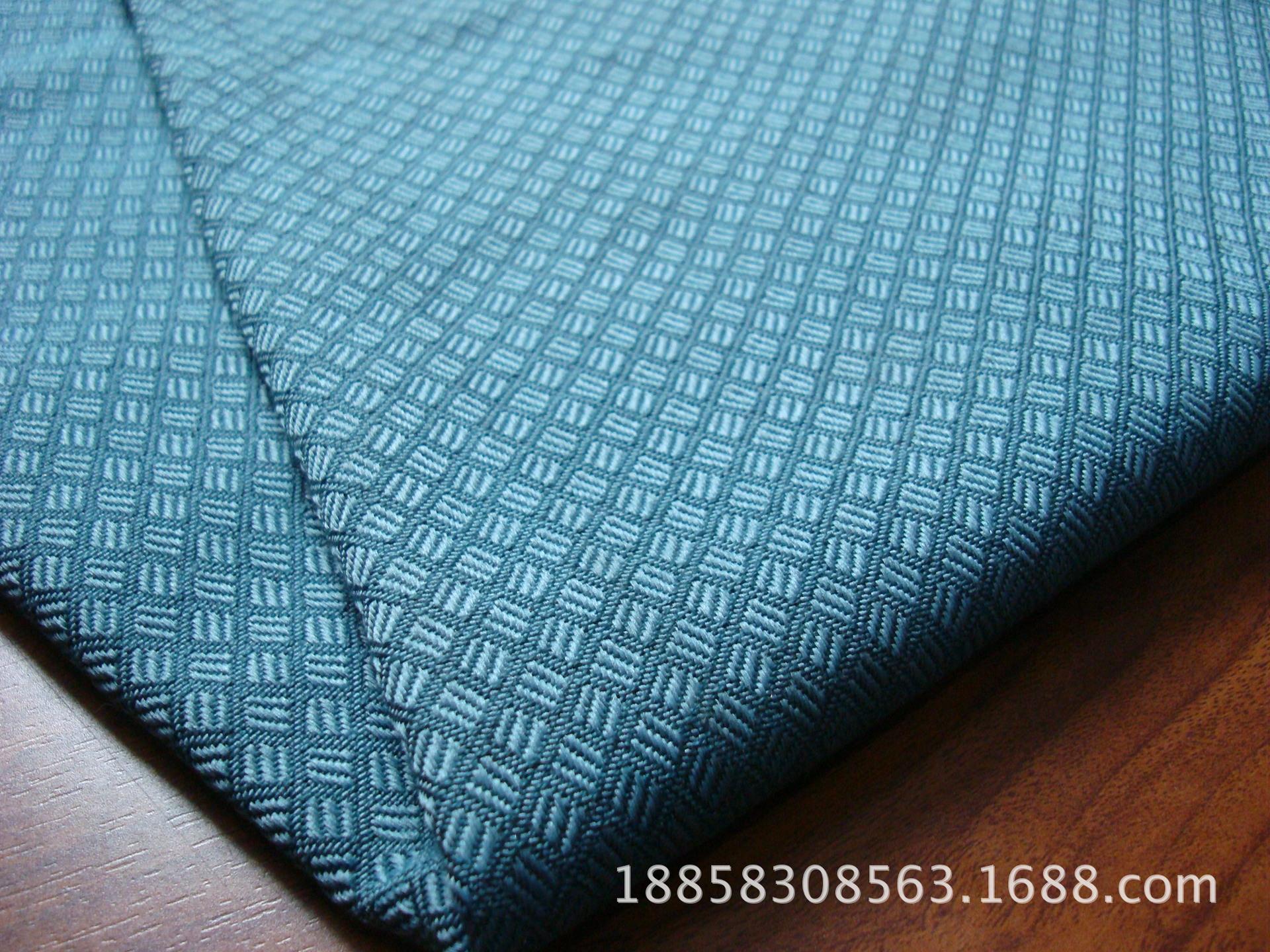 8023斜纹小格子防火布-3