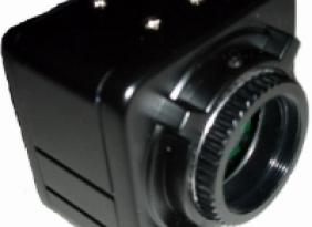 300万像素高清晰数字相机