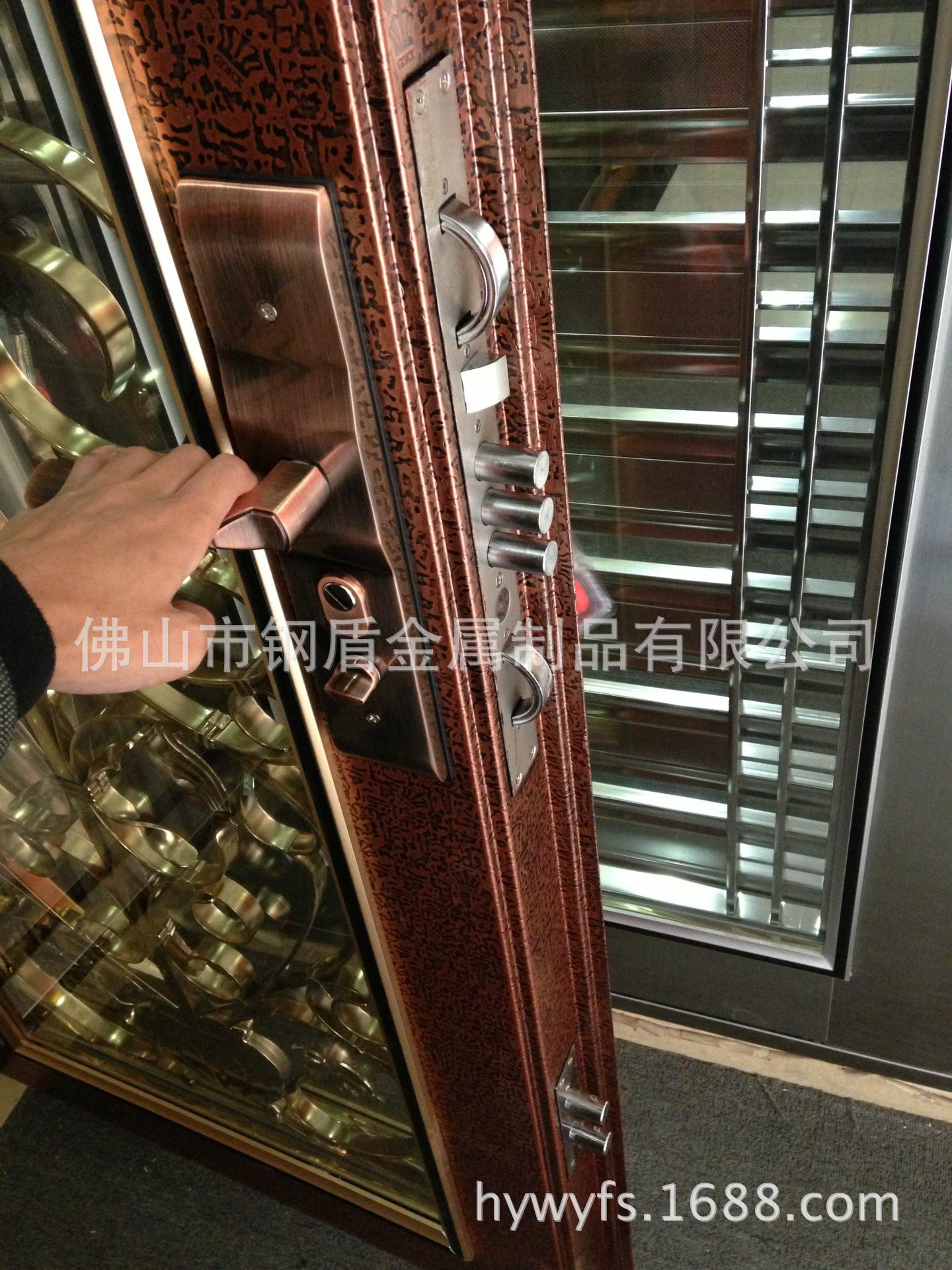 不锈钢浮雕工艺门