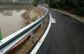 波形护栏厂家直销高速公路防撞栏双波喷塑