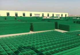 雙邊絲護欄網 圈地鋼絲網 綠色養殖圍網