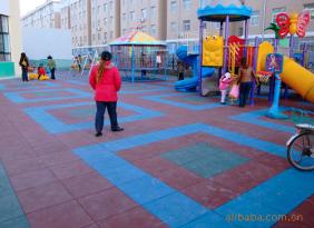 廠家大量供應各種規格耐磨橡膠地板