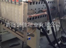 塑料板材生产线 中空建筑模板生产线 中空格子板挤出生产线