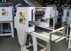 小型单棍压面机,面条机生产厂家,压面机配件