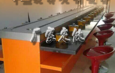 去哪选择回转火锅设备的材质好啊:千盛餐饮设备啊
