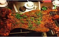 鼎仁国际商贸城免费烤全羊陪您享受新年团圆宴