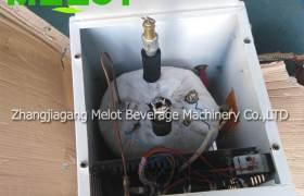 美濼飲料機械供應刷桶機拔蓋機