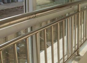 不銹鋼護欄 鐵藝護欄經久耐用 廠家定制價格優惠