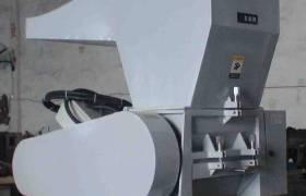 四川成都粉末注塑件破碎机原材料回收