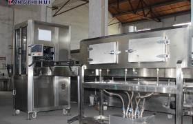 康之慧貼標機械全自動套標機設備廠家直銷加工礦泉水純凈水機械
