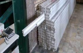 供應PVC塑料門窗型材擠出機.擠出機