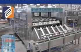 精品推荐3-5加仑内外刷一体机全自动拔盖机
