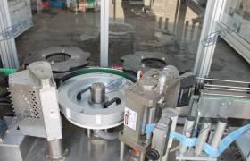 廠家供應12000瓶熱熔膠貼標設備