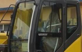 SH210挖掘机驾驶室